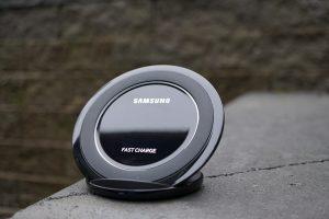 Samsung Kablosuz Hızlı Şarj Standı